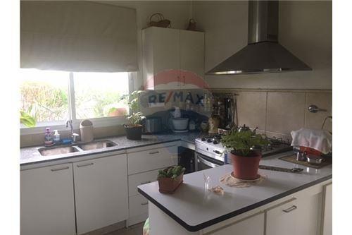 excelente casa de una planta en st matthew´s