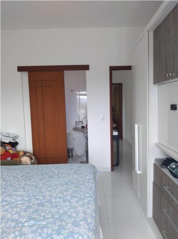 excelente casa duplex, próxima tunel, 1ª locação, 2 varandas, sala, 2 qtos, 2 stes, banho, copa cozinha, área, quintal, 2 vagas. - ca0790