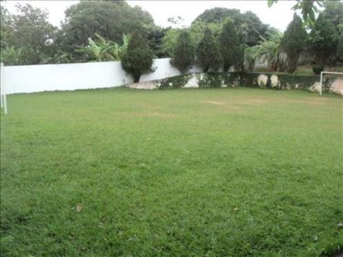 excelente casa em araruama 5 quartos e campo de futebol