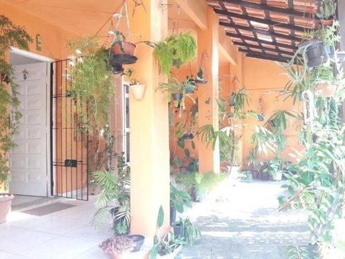 excelente casa em bairro residencial, a 200 m da praia, 4407