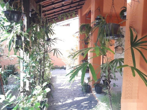 excelente casa em bairro residencial, a 200m do mar ref 4407