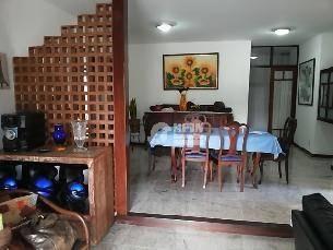 excelente casa em cond. com varandão, salão, 3 quartos - ca0176
