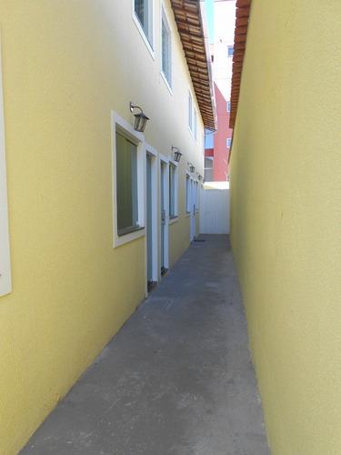 excelente casa em condomínio, 2 quartos, varanda e 1 vaga. bairro santa monica. - 1778