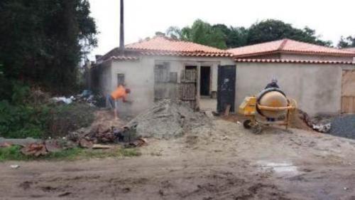 excelente casa em fase de acabamento na praia em itanhaém!!