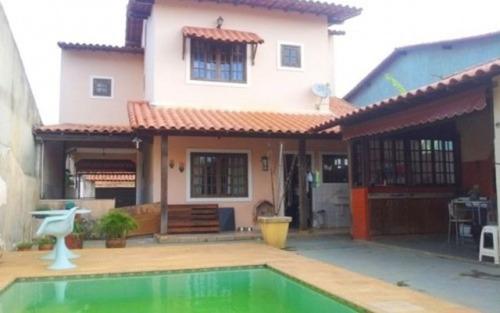 excelente casa em itaipuaçu com 4 suites, piscina, churrasqueira, pertinho da rodoviária.