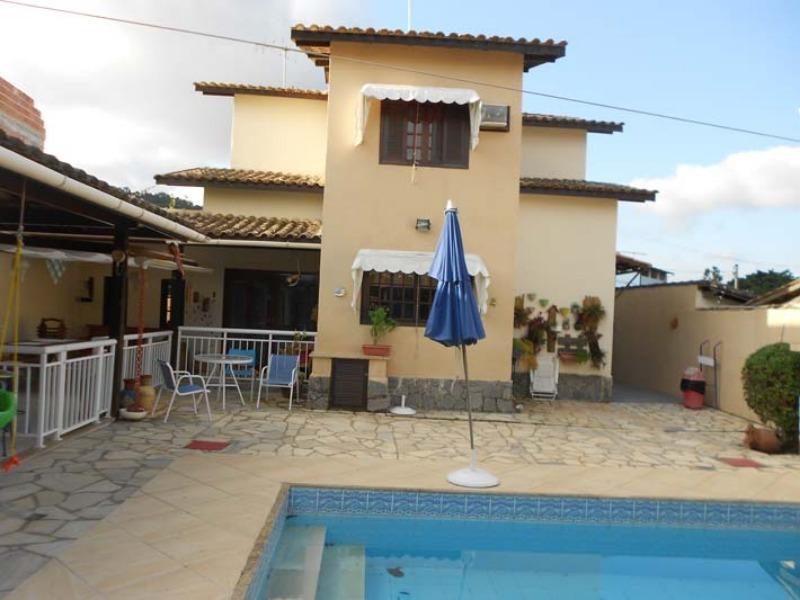 excelente casa em terreno plano  de 360,00 m², maravista,  casa com 4 quartos sendo um suite, excelente sala. quintal com piscina e area de churrasque - ca00055 - 33131866