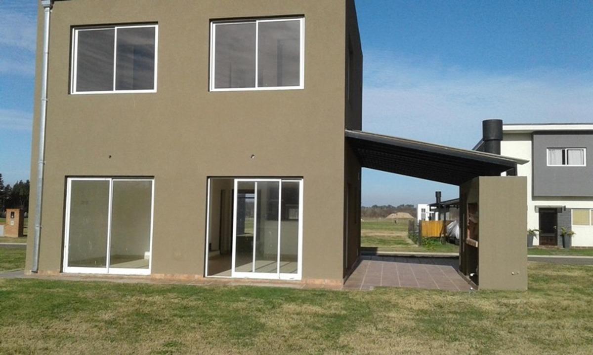 excelente casa en alquiler de 4 ambientes en el aljibe
