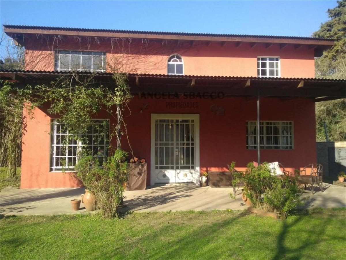 excelente casa en barrio jularo