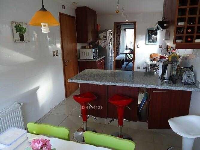 excelente casa en condominio ubicado en riberas de estancilla