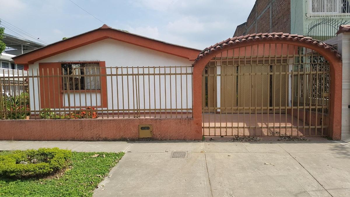 excelente casa en el norte barrio vipasa incluye apartamento