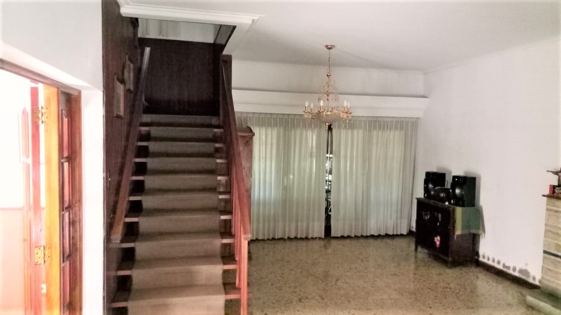 excelente casa en muñiz!!! 7 ambientes!