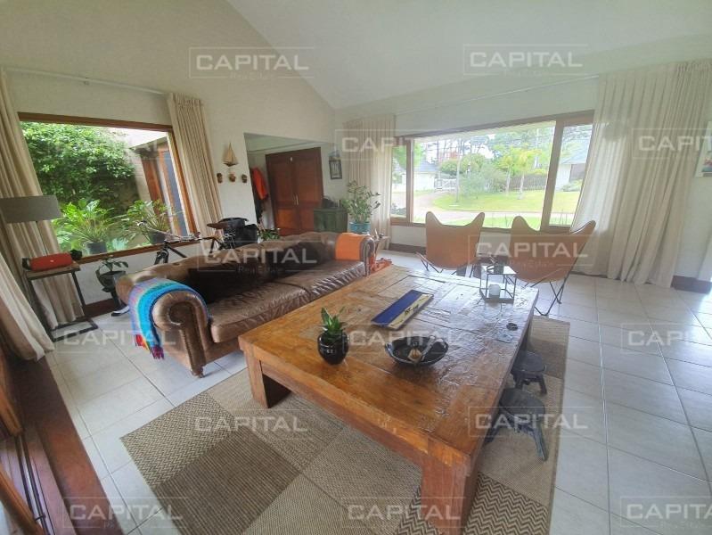 excelente casa en playa mansa en venta - cuatro dormitorios -ref:28639