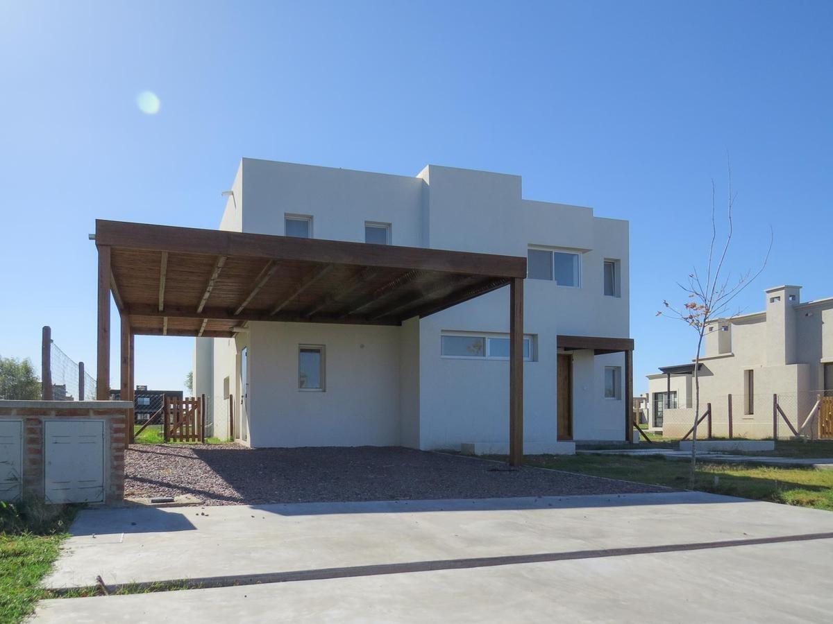 excelente casa en venta - a la  laguna - san rafael