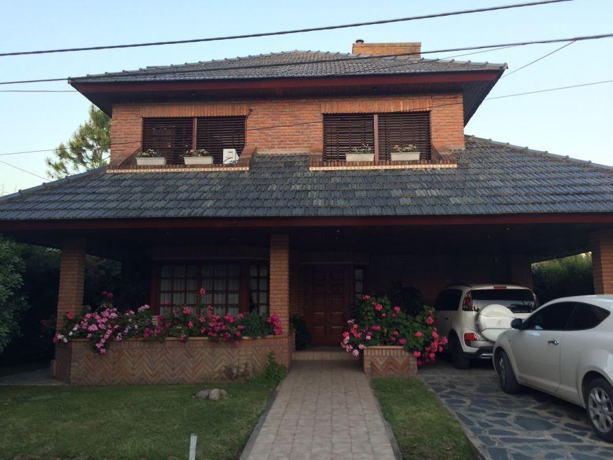 excelente casa en venta de 2 plantas en country venado 2