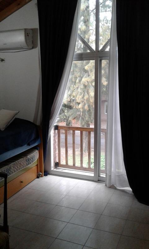 excelente casa en venta de 5 ambientes en la peregrina