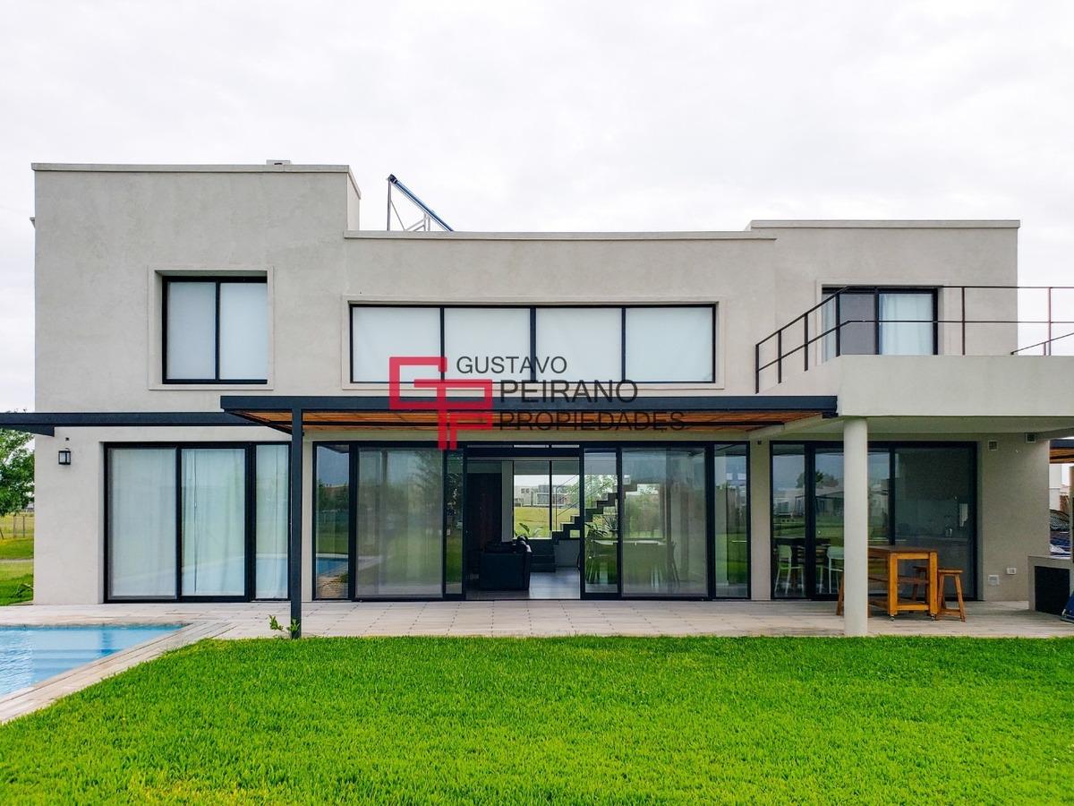 excelente casa en venta en el cantón, barrio golf