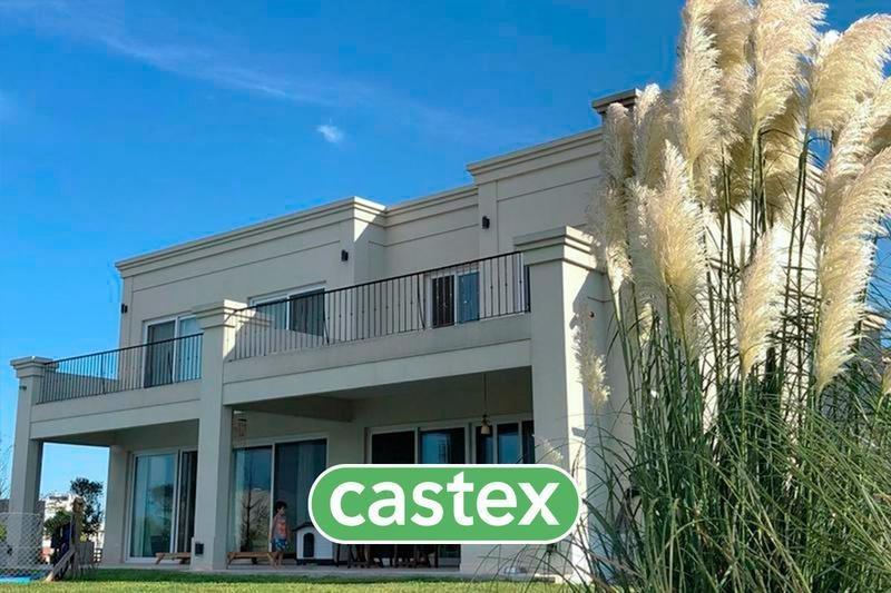 excelente casa  en venta en el canton barrio islas