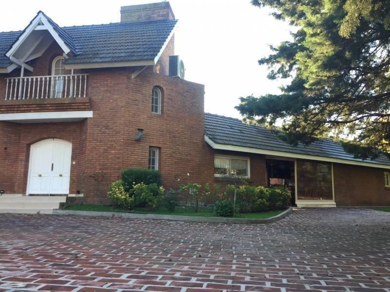 excelente casa en venta en fco. alvarez