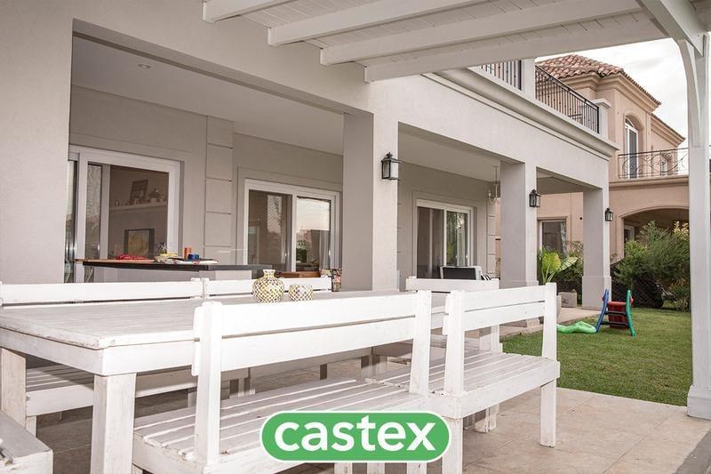 excelente casa en venta en los lagos, nordelta
