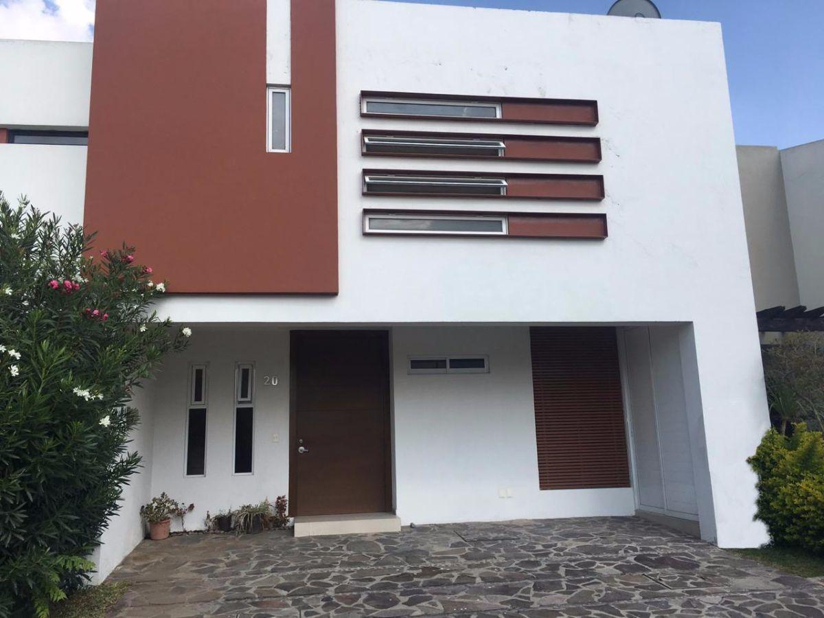 excelente casa en venta en solares