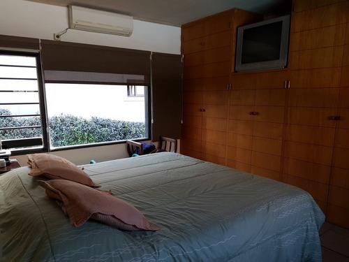 excelente casa en venta en v carlos paz, barrio 1º nivel