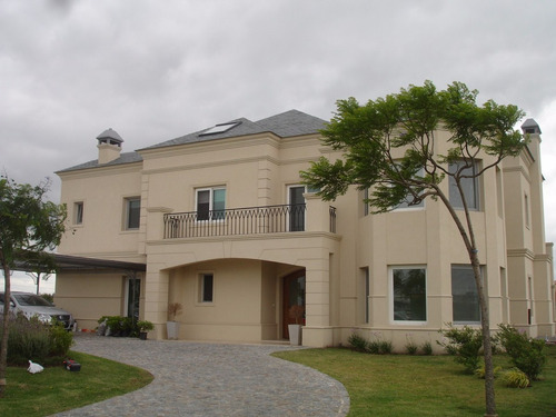 excelente casa en venta- nordelta- b° el golf