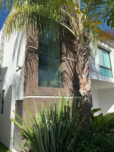 excelente casa en venta o renta en solares
