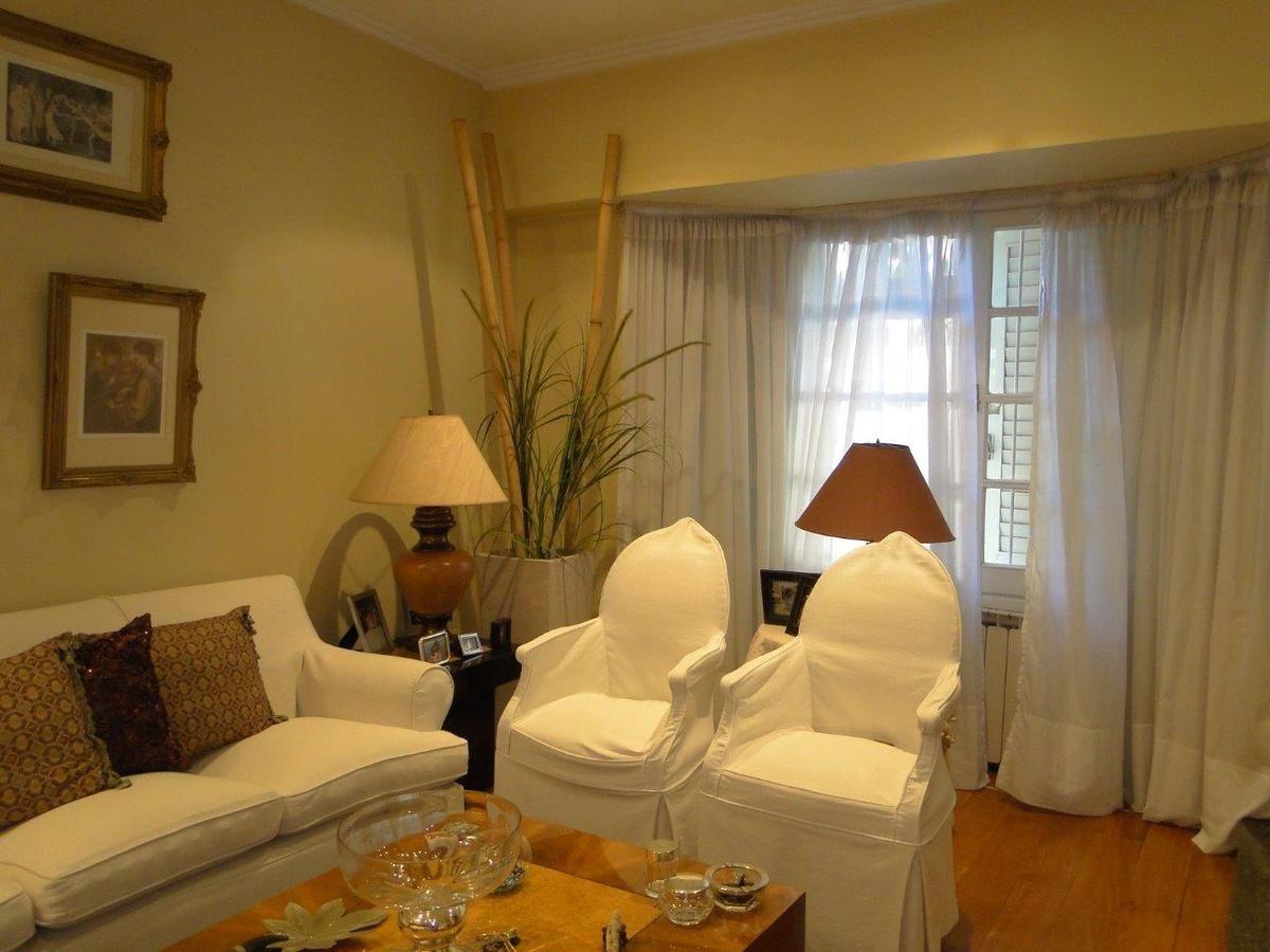 excelente casa  en villa devoto con jardin, quincho y parrilla