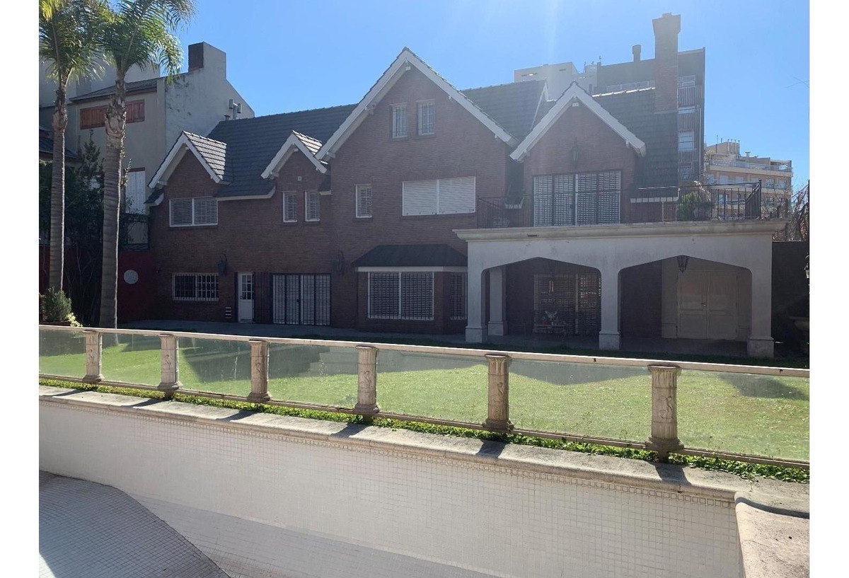 excelente casa en villa devoto residencial