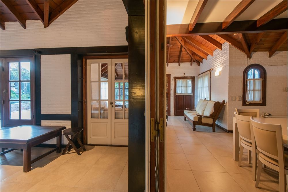 excelente casa en zona privilegiada de pinamar
