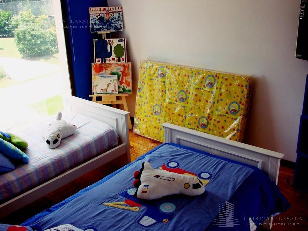 excelente casa minimalista en country altos del sol de ituzaingo. gba