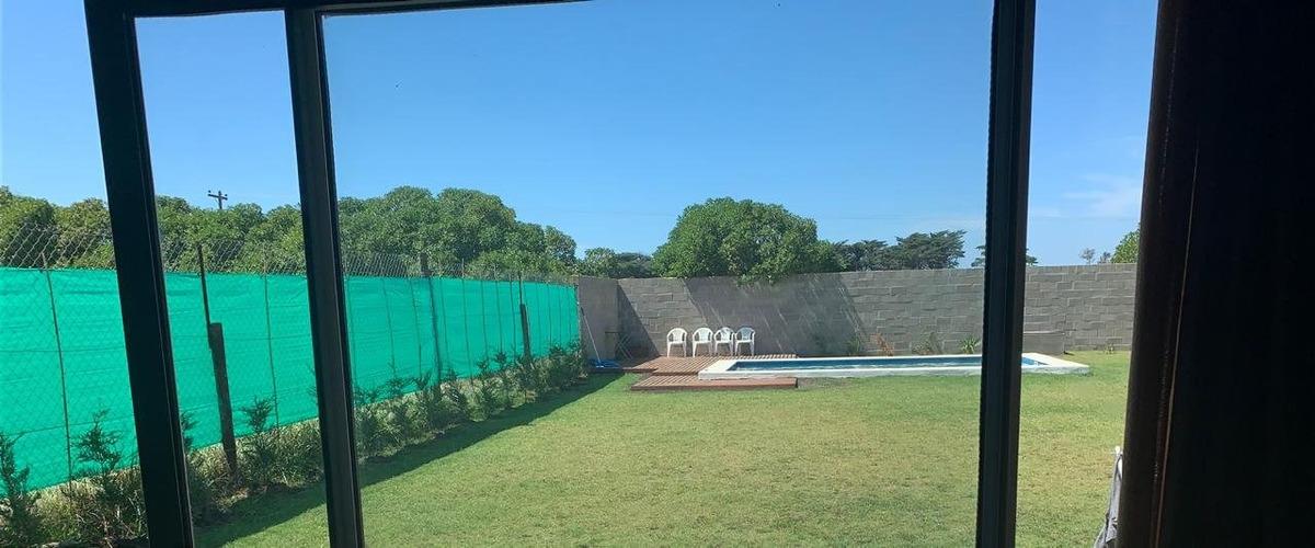 excelente casa moderna con amplio parque  hermosa piscina