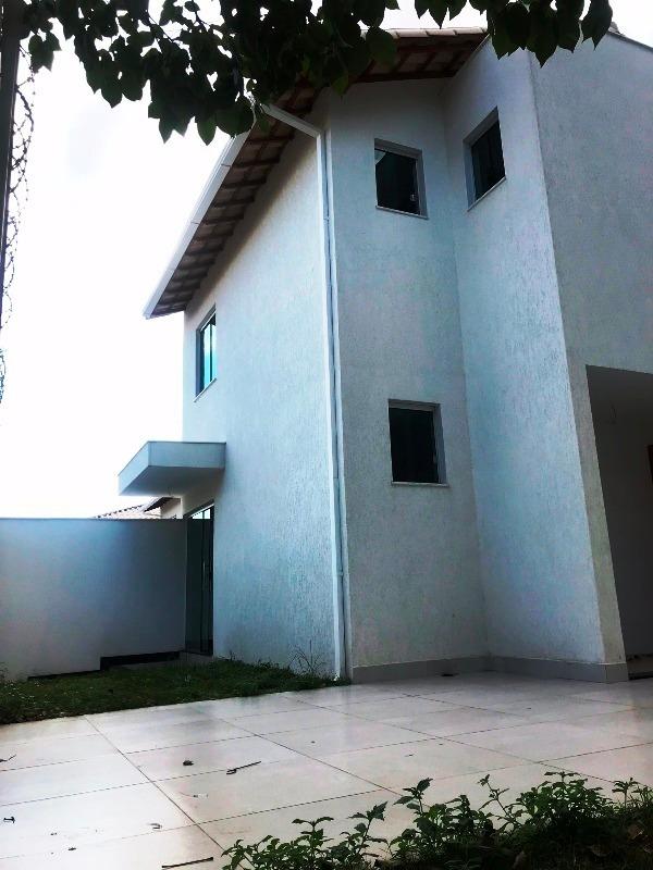 excelente casa no bairro planalto. 2 quartos 1 vaga. localização privilegiada. - 2464
