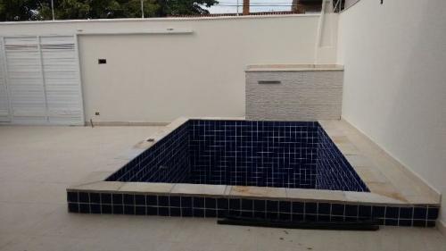 excelente casa no bairro suarão 4296