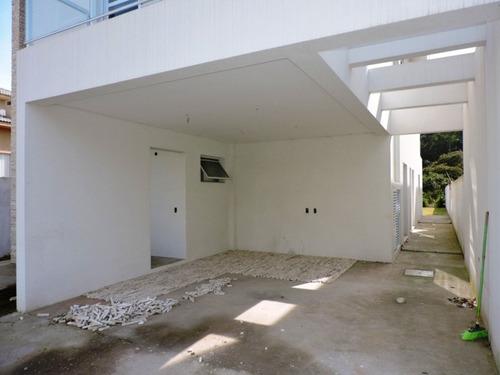 excelente casa nova no condomínio village los angeles