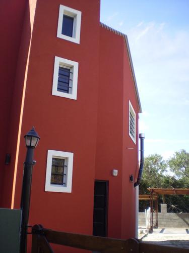 excelente casa para 6 personas con pileta  templada solar