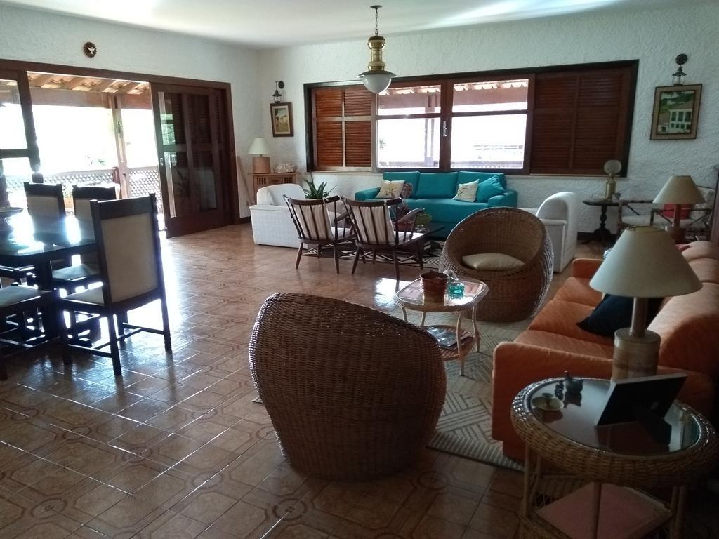 excelente casa, plana, bairro nobre, com 4 quartos e piscina