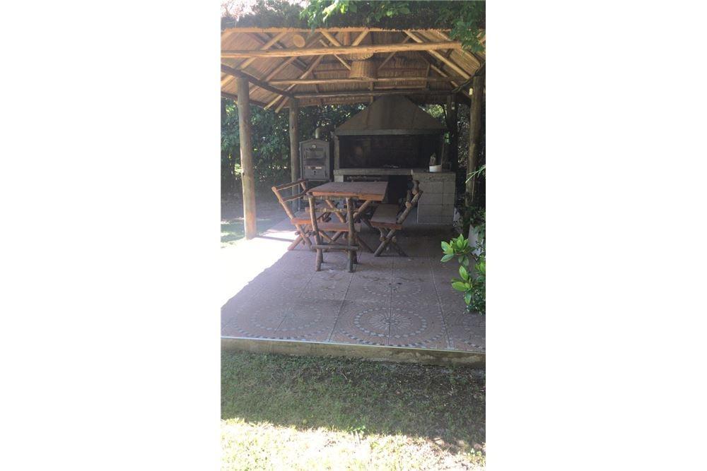 excelente casa quinta de 5 ambientes+pileta+cochera