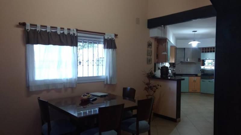 excelente casa quinta en venta en francisco alvarez