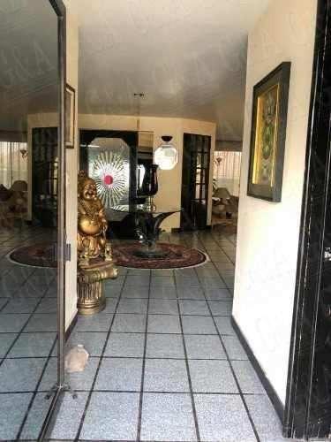 excelente casa remodelada en calle cerrada-terranova