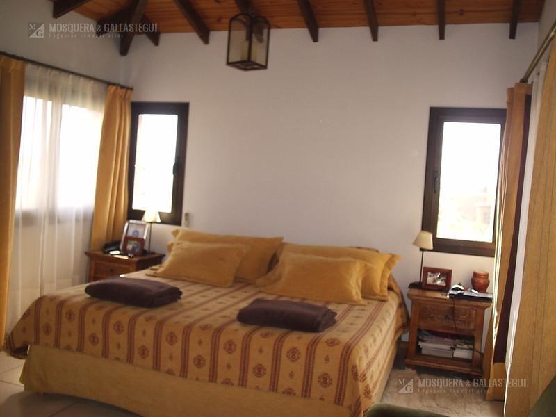 excelente casa sobre lote de 2150 m2 - santa catalina - villanueva