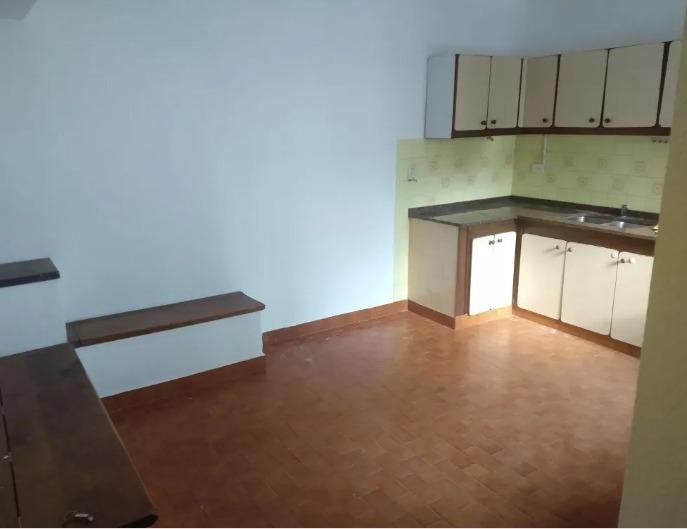 excelente casa tipo chalet de 5 ambientes en olivos