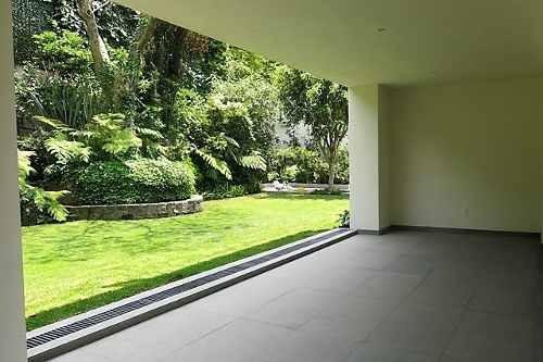 excelente casa totalmente renovada