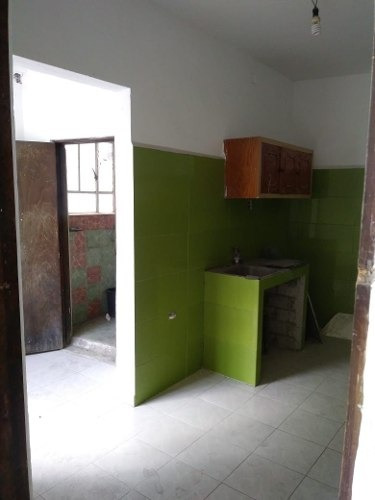 excelente casa,  ubicada en el centro de iztapalapa