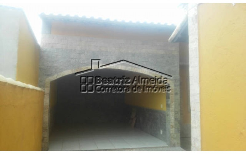 excelente casarão triplex de 5 quartos sendo 1 suíte com 600m² próximo a praia de itaipuaçu