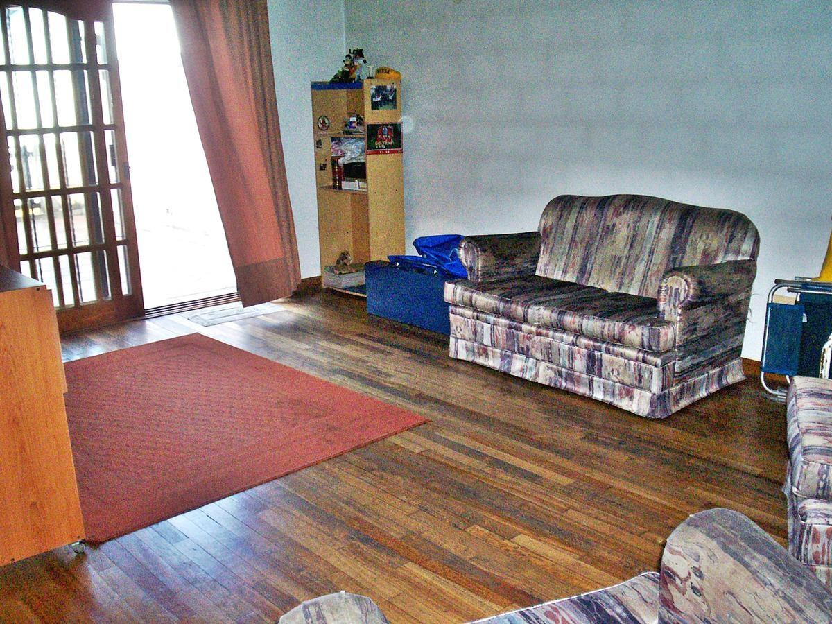 excelente chalet - 5 ambientes - villa adelina