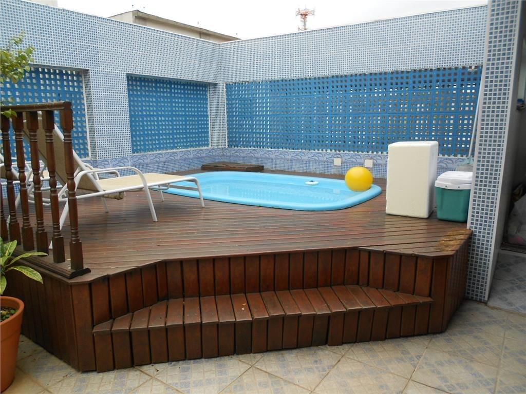 excelente cobertura 2 dormitórios com piscina no tombo - gaurujá - co0074