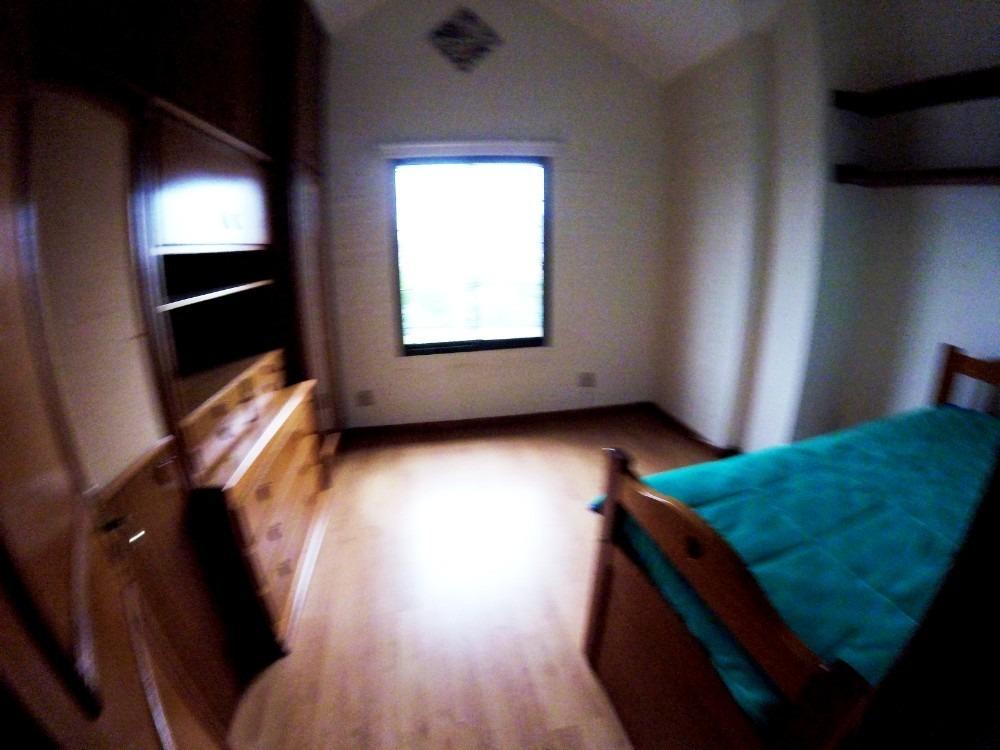 excelente construcción a 2 del mar! 3 dormitorios + servicio