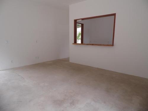 excelente construção em local muito tranquilo, terreno com 740m²! - l4800