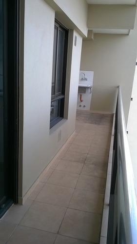 excelente departamento 2 ambientes con patio.